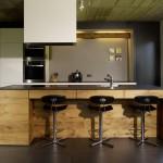 Küche aus alter Eiche und Porzellankeramik