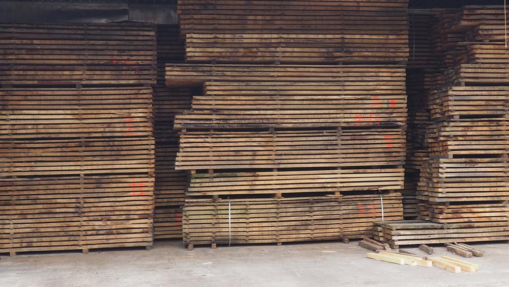 Verarbeitungsfähiges Schnittholz nach schonender Trocknung